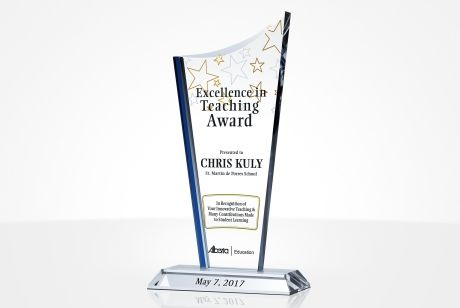 How Experts Use Sandblasting to Engrave Crystal Awards and Plaques